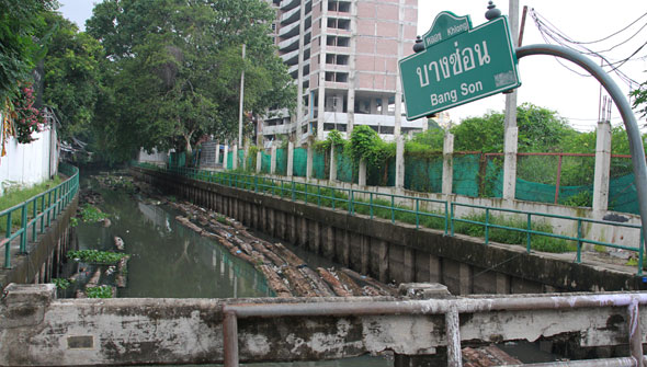 Bangkok is Still Bracing for the Flood