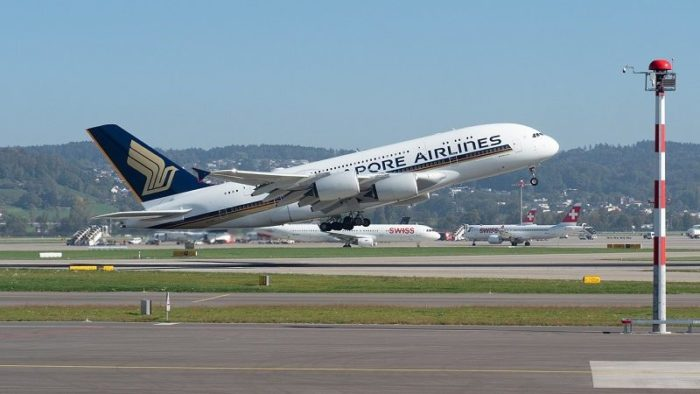 singapore airline takeoff