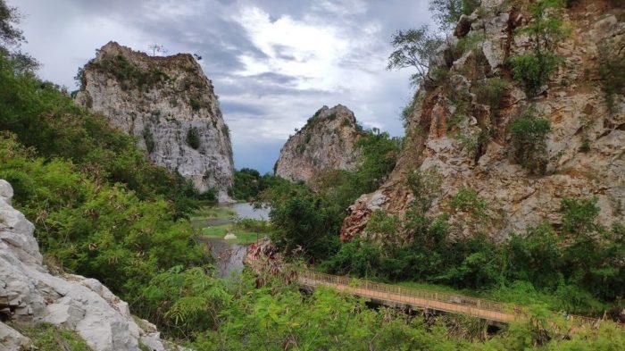 stone park snake mountain